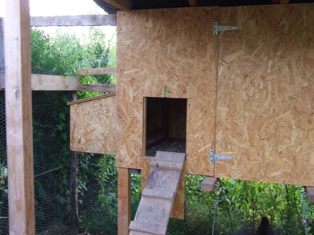 Construire son poulailler for Interieur poulailler