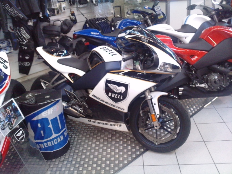 mes photos chez macadam moto montpellier forum moto run 100 motards m canique equipement. Black Bedroom Furniture Sets. Home Design Ideas