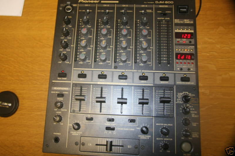 Pin pioneer fx 330 hifi klassiker forum on pinterest - Table de mixage pioneer djm 5000 ...