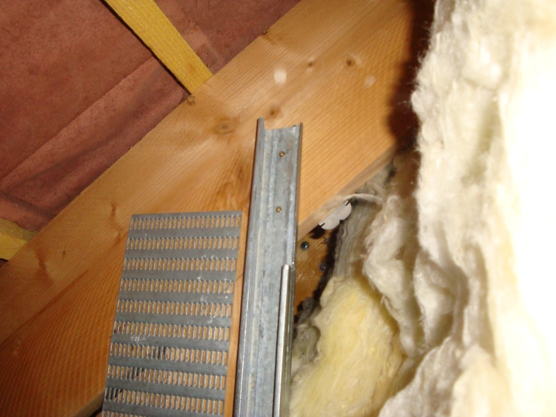 installer les rails à placo et plaques de platres sur http://sc2a.eu/amenagement-comble/galerie-photos/