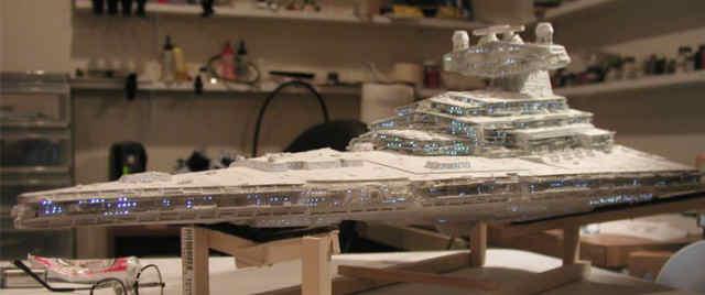 Maquette vaisseau imperial for Interieur vaisseau star wars