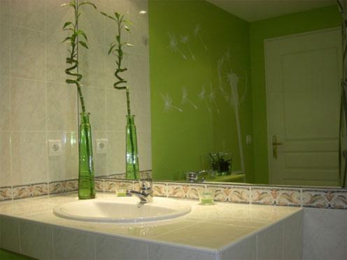 Salle de bain helene for Carrelage qui sonne creux